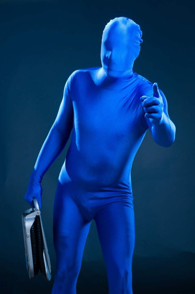 Chad Heminger is blue. (DAVID LIPNOWSKI / WINNIPEG FREE PRESS)
