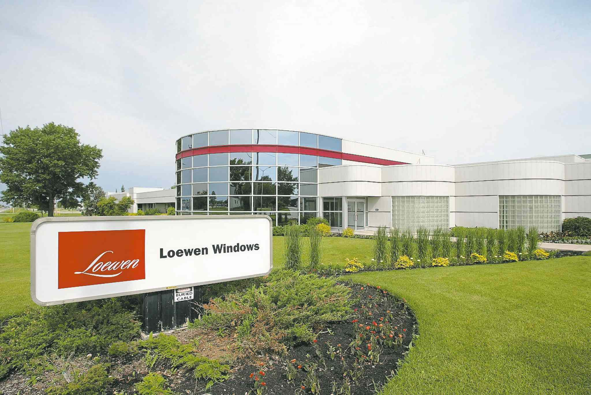 Manufacturer Loewen Windows is one of the Steinbach area\u0027s largest employers. & Window of opportunity at Steinbach company - Winnipeg Free Press