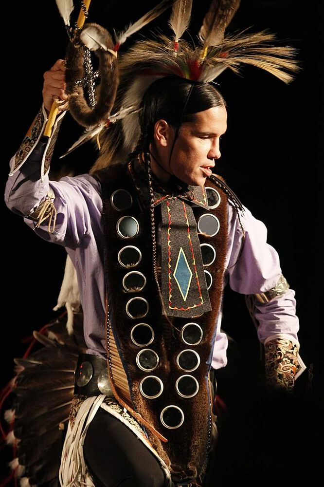 Performers at the DOTC First Nations Pavilion Monday, August 6, 2012. (JOHN WOODS / WINNIPEG FREE PRESS)