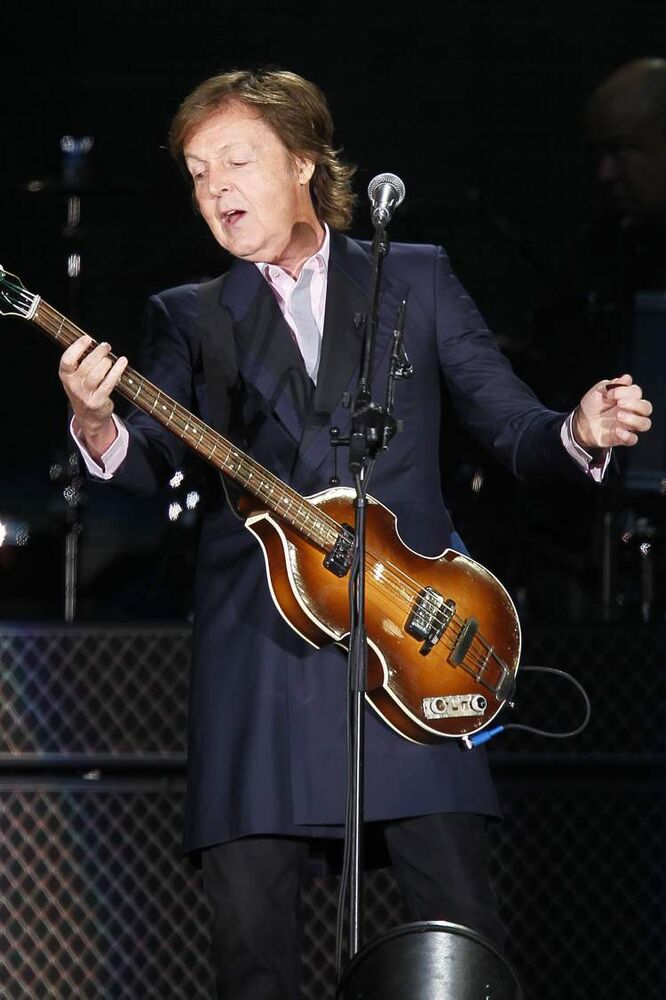 McCartney started the show with 'Eight Days a Week.' (John Woods / Winnipeg Free Press)
