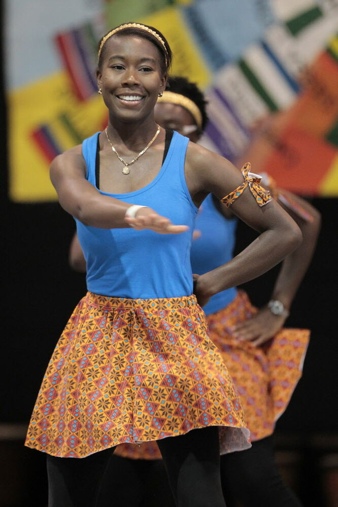 Dancers perform at Folklorama's African Pavilion Monday. (John Woods / Winnipeg Free Press)