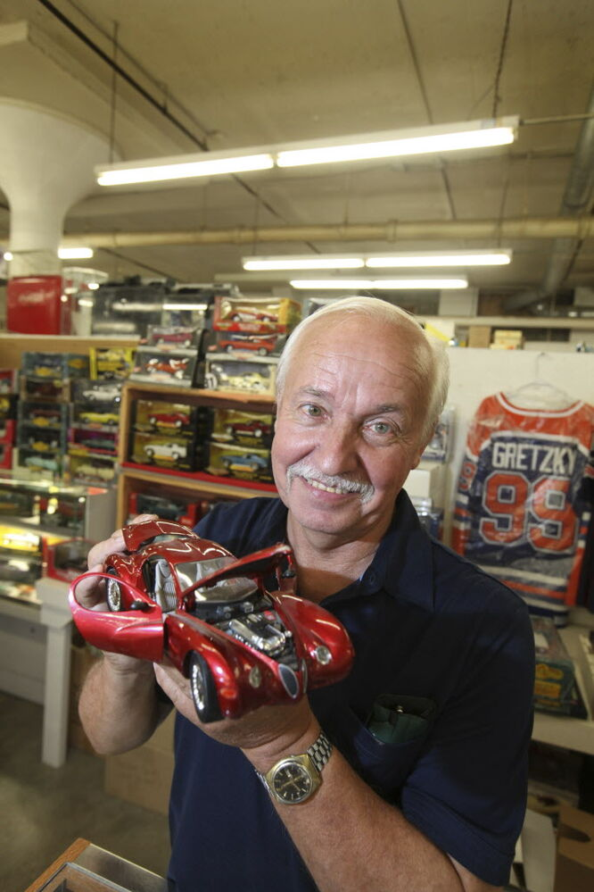Ed Boyechko sells die-cast cars and sports collector items.  (Ruth Bonneville / Winnipeg Free Press)
