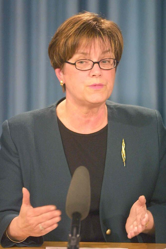 Becky Barrett, seen here in a file photo, loudly demanded on Oct. 27 the resignation of Premier Greg Selinger as NDP leader. The former labour minister and longtime NDP worker was the campaign chairwoman for cabinet Minister Andrew Swan during his failed bid for the leadership in 2009. Swan is a member of the Gang of Five cabinet ministers demanding Selinger step aside. (Boris Minkevich / Winnipeg Free press files)