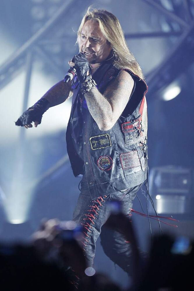 Vince Neil (Winnipeg Free Press)