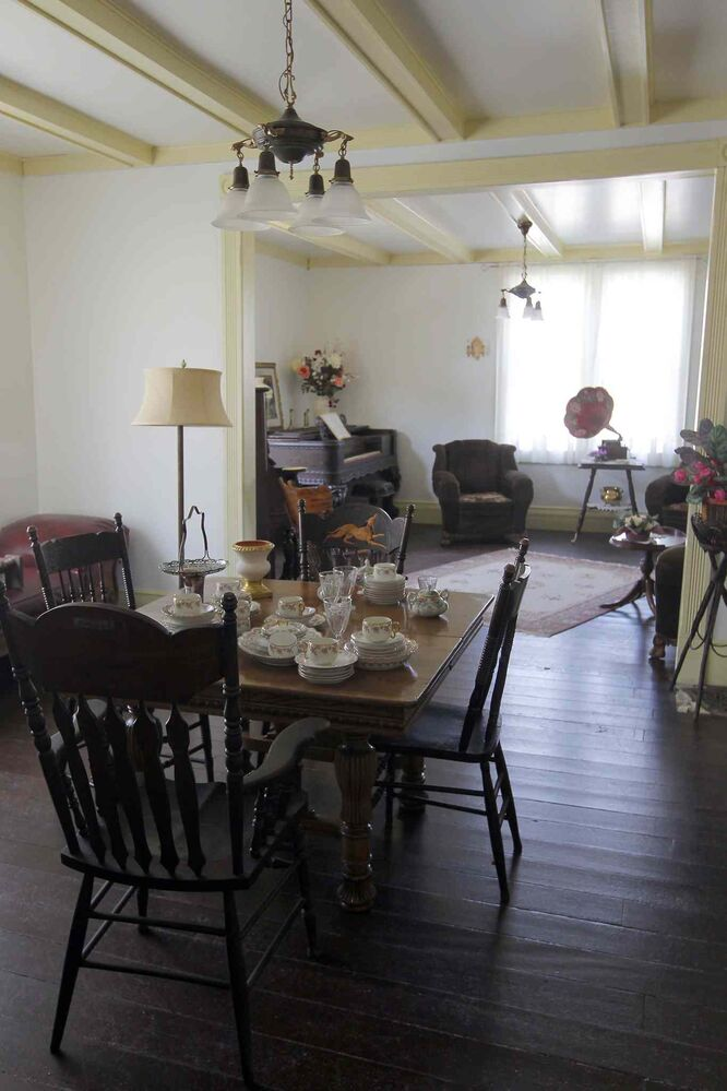 Dining room and front room in McClung's boarding house. (Boris Minkevich / Winnipeg Free Press)