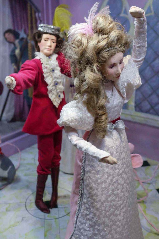 Cinderella and the (pigeon toed) Prince. (MIKE DEAL / WINNIPEG FREE PRESS)