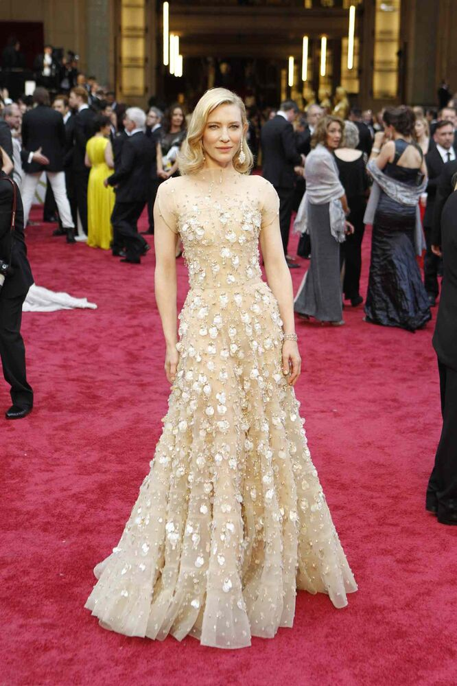 Cate Blanchett arrives at the 86th annual Academy Awards. (Wally Skalij / Tribune Media MCT)