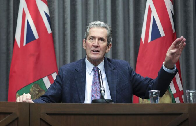 RUTH BONNEVILLE  /  WINNIPEG FREE PRESS   LOCAL - Premier press briefing   Manitoba premier, Brian Pallister, speaks to the media at a press briefing on COVID-19 measures at the Manitoba Legislative Building Friday morning.    April 24th,  2020