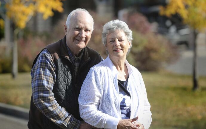 RUTH BONNEVILLE / WINNIPEG FREE PRESS</p><p>Snowbirds Bob and Judy Baker won't be heading south this winter while the U.S-Canada border remains closed to non-essential travel.</p>