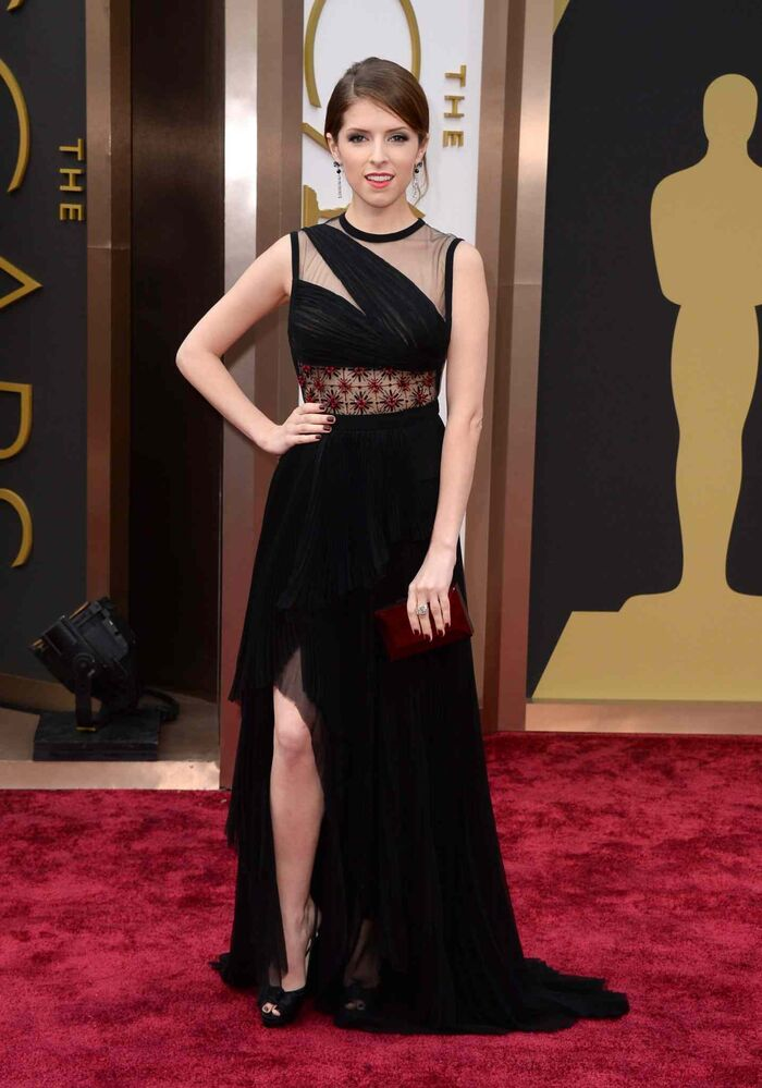 Anna Kendrick arrives at the Oscars. (Jordan Strauss / The Associated Press)
