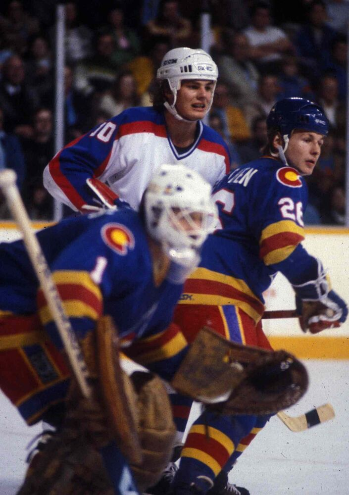 Hawerchuk playing against the Colorado Rockies in his first NHL season in 1981. (Ken Giglioitti / Winnipeg Free Press files) -