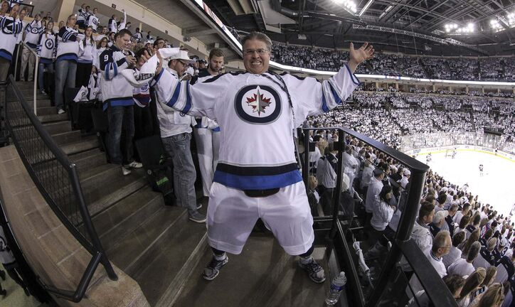 Dancing Gabe is going to be busy this year with all of the sporting options in Winnipeg. (Mike Deal / Winnipeg Free Press files)