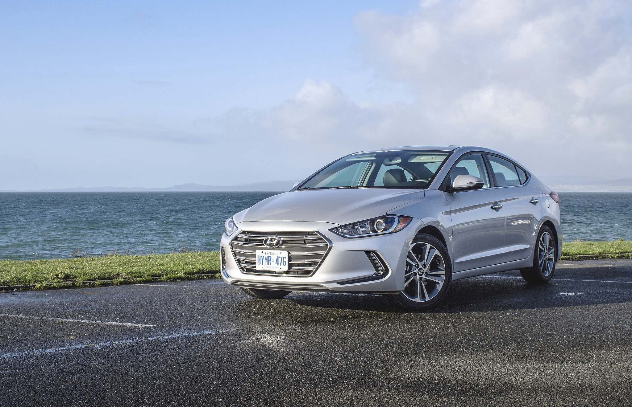 HYUNDAIThe 2017 Hyundai Elantra is a good value, offering sophisticated looks as well as a lot of space and features for the money.