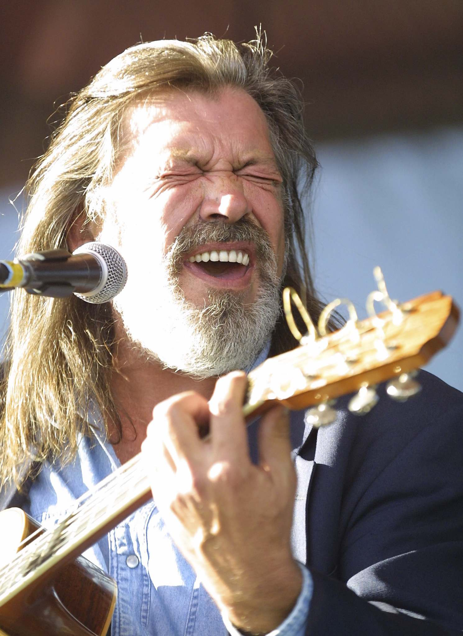 JOE BRYKSA / WINNIPEG FREE PRESS FILES</p><p>Greg Leskiw performs at the Muddy Rivers Music Festival at The Forks in August 2001.</p></p>