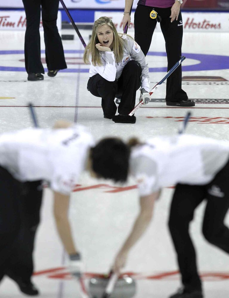 Skip Jennifer Jones directs her sweepers. (MIKE DEAL / WINNIPEG FREE PRESS)