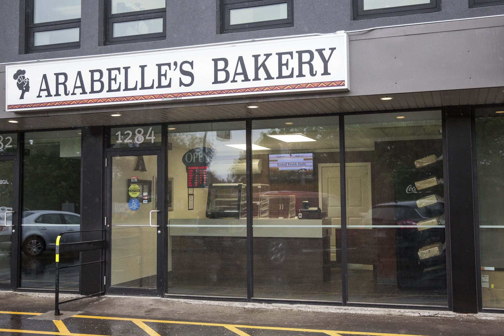 MIKE DEAL / WINNIPEG FREE PRESS</p><p>Arabelle's Bakery and Catering on Archibald Street.</p>