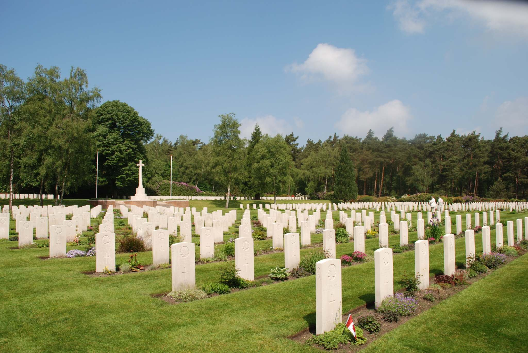 Ron Pradinuk / Winnipeg Free Press</p></p><p>The Holten Cemetery is kept in immaculate condition managed by the Commonwealth War Graves Commission.</p>
