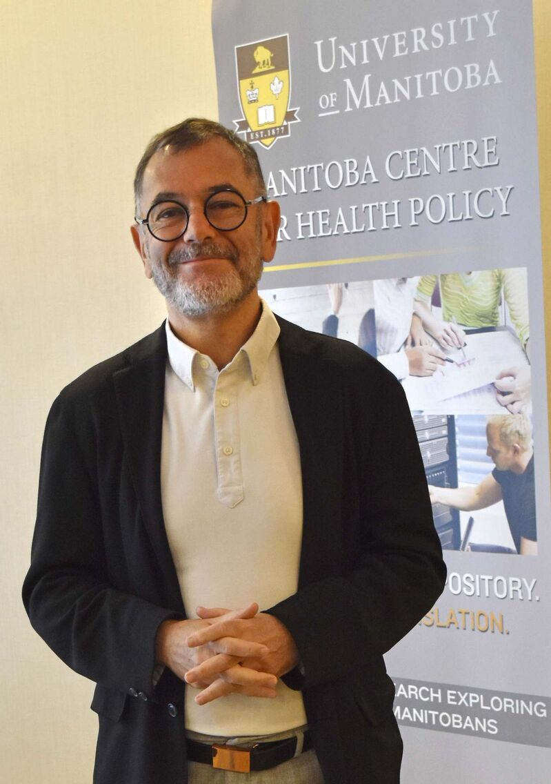 Dr. Alan Katz, director of the Manitoba Centre for Health Policy, said more screening is vital to track and keep a lid on the pandemic. (Tessa Vanderhart / Free Press files)</p>