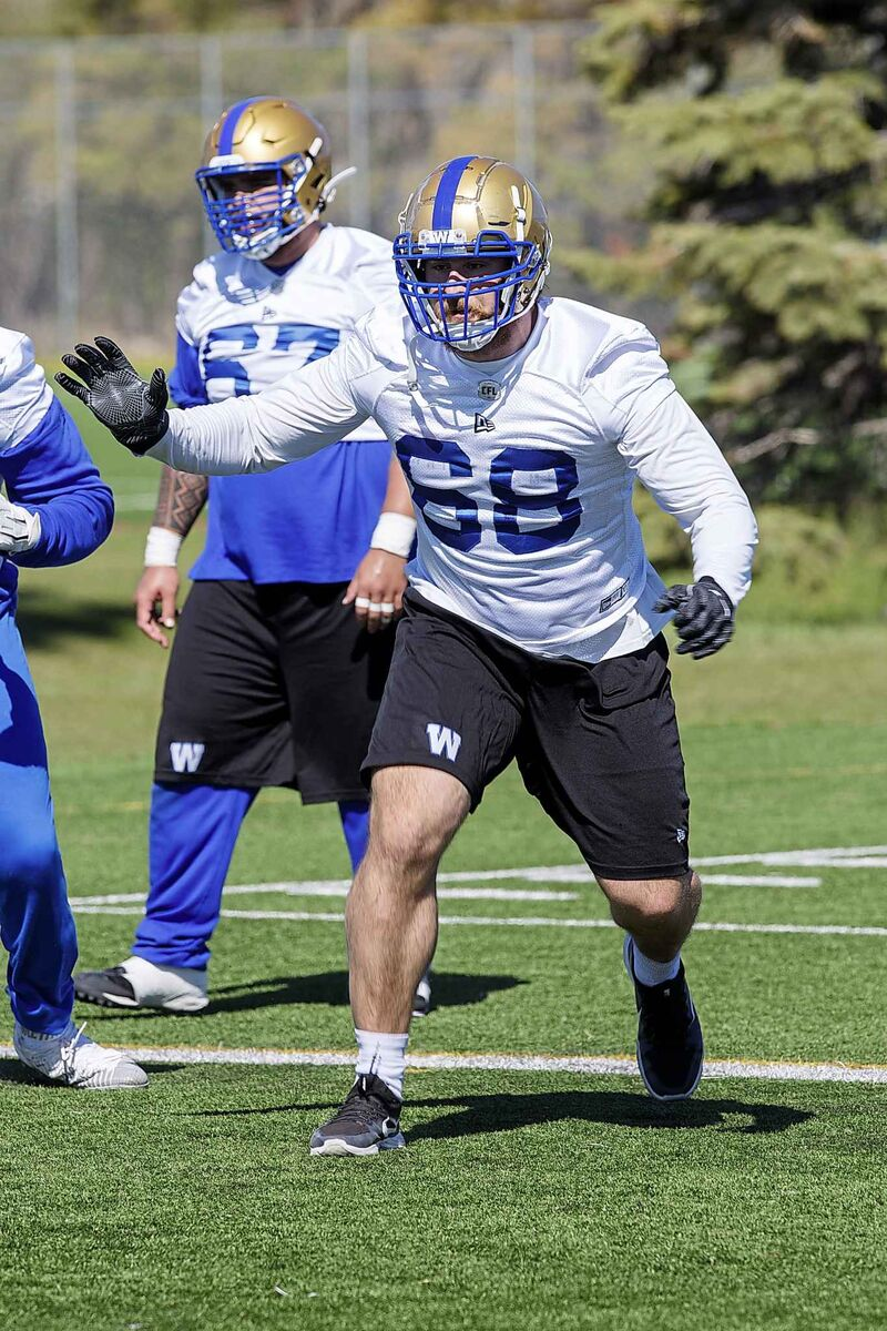 The Blue Bombers 2017 first round draft pick Geoff Gray will get the start at right guard, Friday.