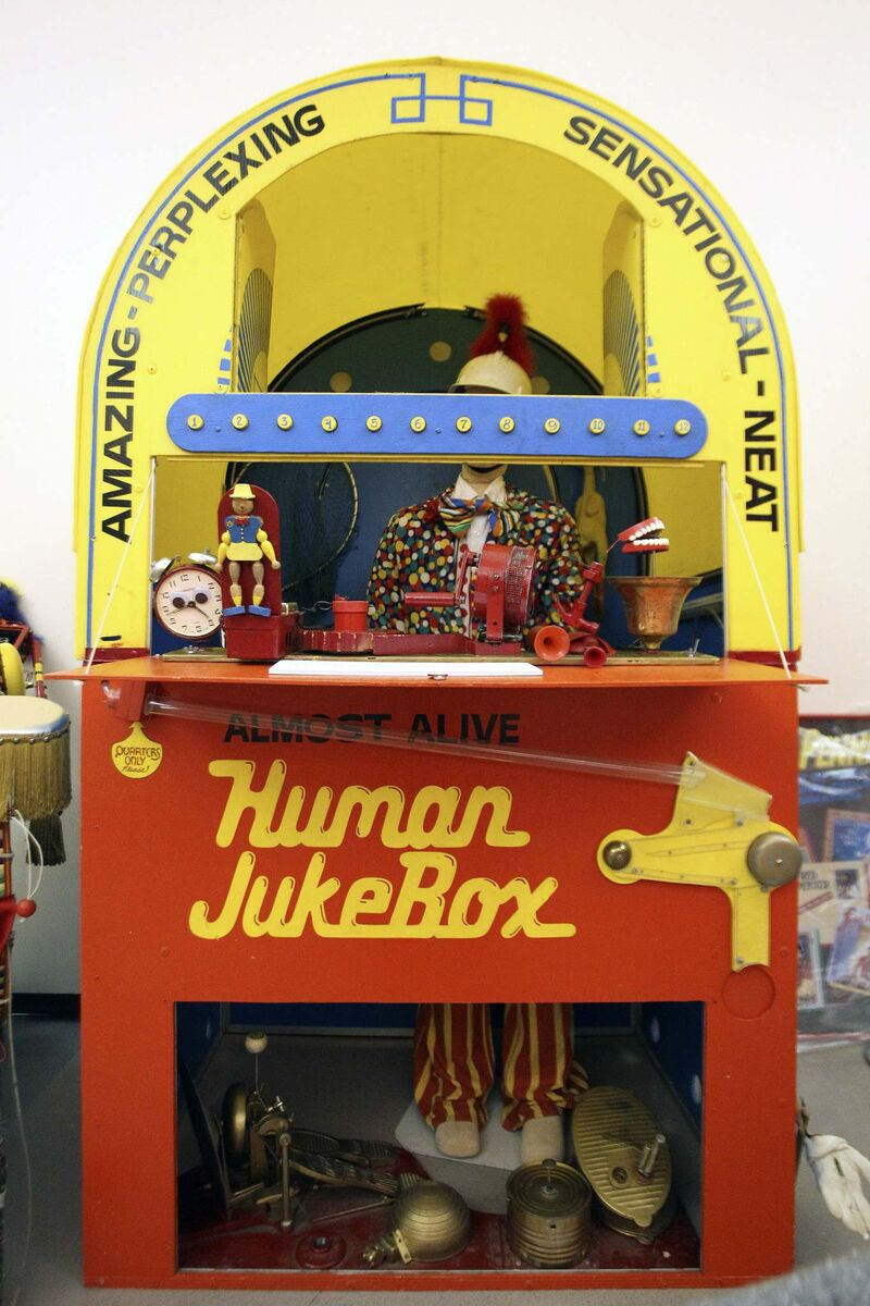 Simmons' Human Jukebox made its debut in 1978. (Mike Deal / Free Press files)