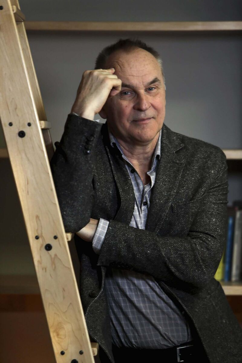 Playwright-actor Daniel MacIvor returns to Winnipeg for PTE's production of his play, New Magic Valley Fun Town.