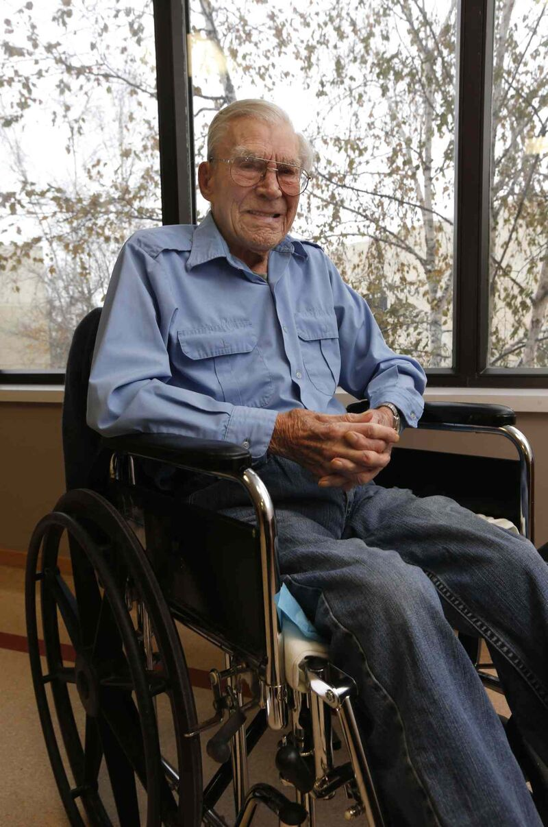 George Peterson may be the last survivor of the Battle of Hong Kong. (Wayne Glowacki / Winnipeg Free Press)