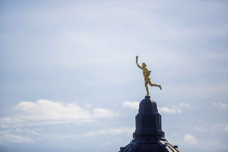 The golden boy as seen from the roof of the Great West Life building.  (Mikaela MacKenzie / Winnipeg Free Press)