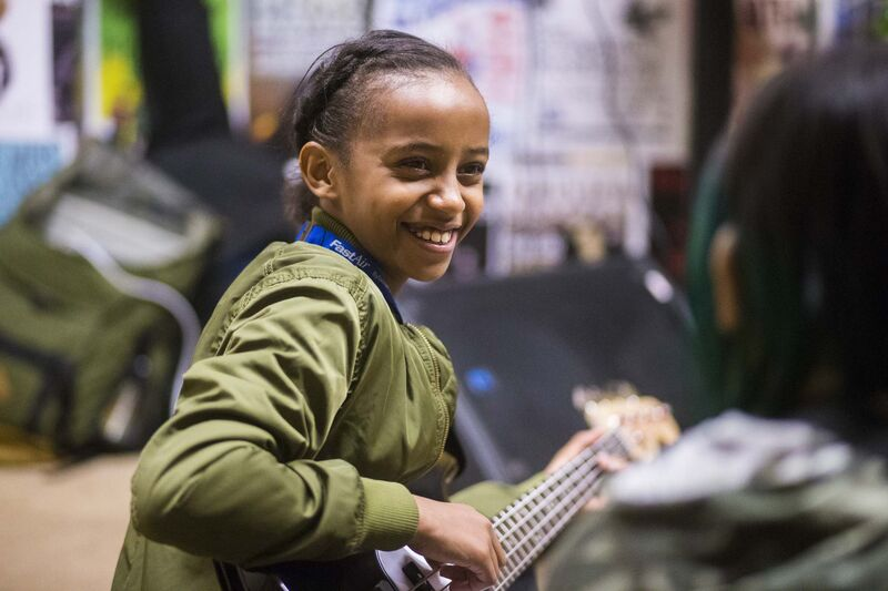 Mallani Nabi plays during bass class. (Mikaela MacKenzie / Winnipeg Free Press)</p>