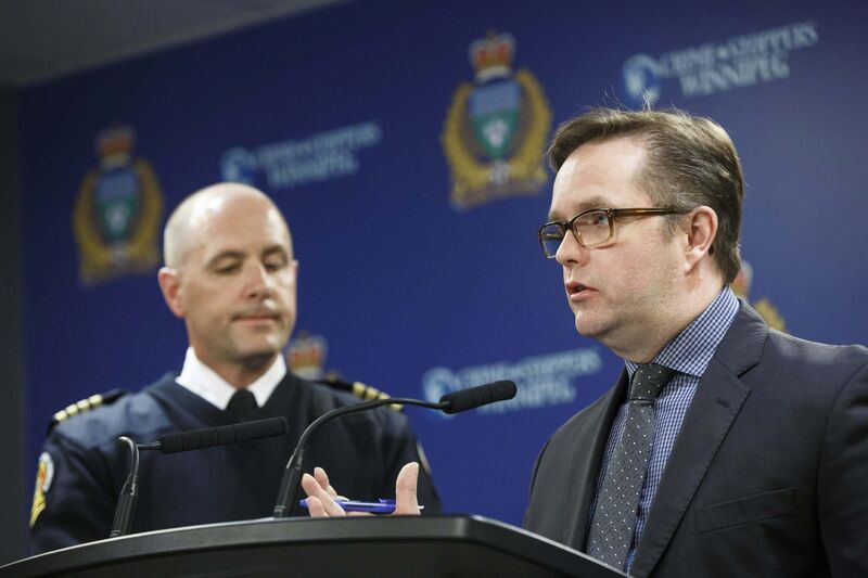 Winnipeg deputy chief for the fire department's operations and communications, Christian Schmidt (left) and deputy police chief Gord Perrier addressed Forrest's comments at a hastily called media briefing Wednesday afternoon. (Mike Deal / Winnipeg Free Press)</p>