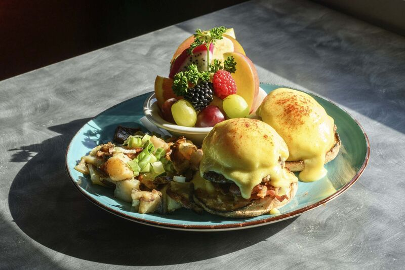 The Cheeseburger Benedict at the Red Eye Diner. (Mike Sudoma / Winnipeg Free Press)