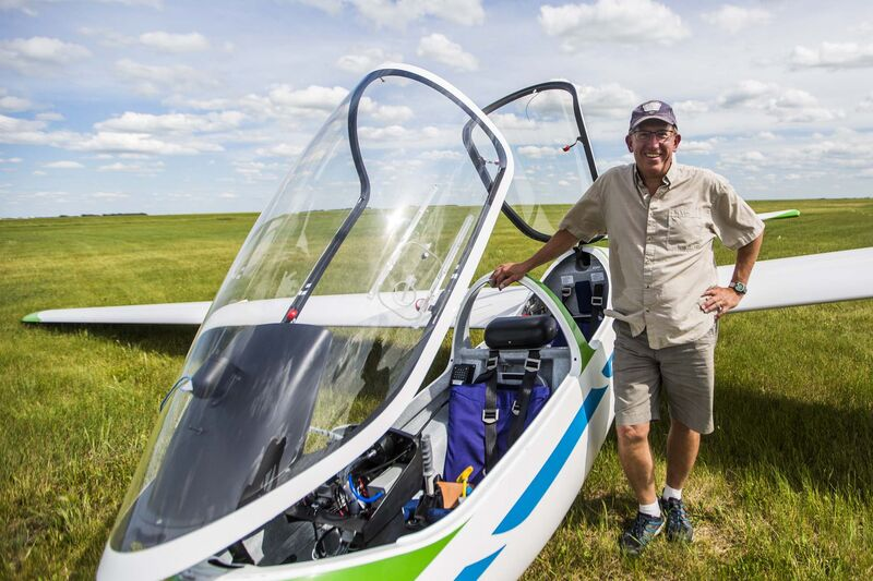 MIKAELA MACKENZIE / WINNIPEG FREE PRESS</p><p>Winnipeg Gliding Club president Mike Maskell at the Starbuck Airfield.</p>