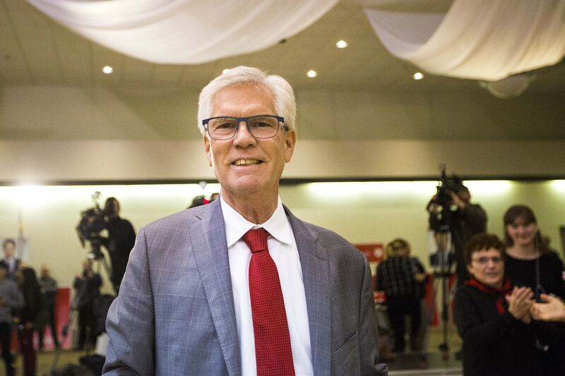 "Jim Carr's new role as ""special representative"" will not have him sitting at the cabinet table, but rather will involve informing Trudeau about how issues are resonating in Alberta, Saskatchewan and Manitoba. (Mikaela MacKenzie / Free Press files)</p>"