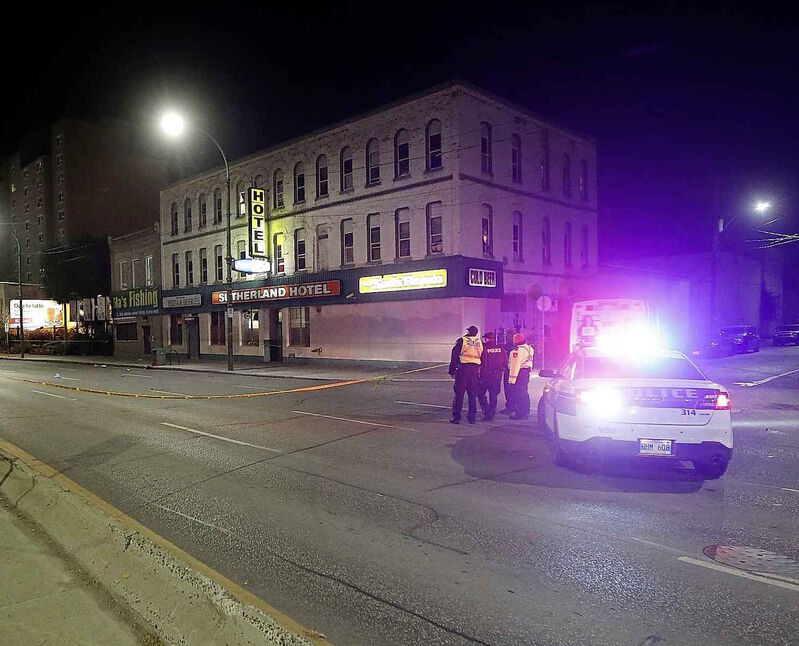Police investigate the fatal collision that killed Severight on Main Street at Sutherland Avenue in 2017. (John Woods / Winnipeg Free Press files)