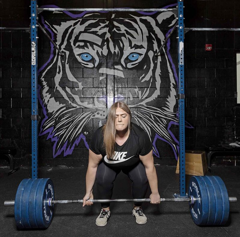 SASHA SEFTER / WINNIPEG FREE PRESS</p><p>Powerlifter Hailey Kostynuik deadlifts 380lbs in Winnipeg's Undefeated CrossFit gym.</p>