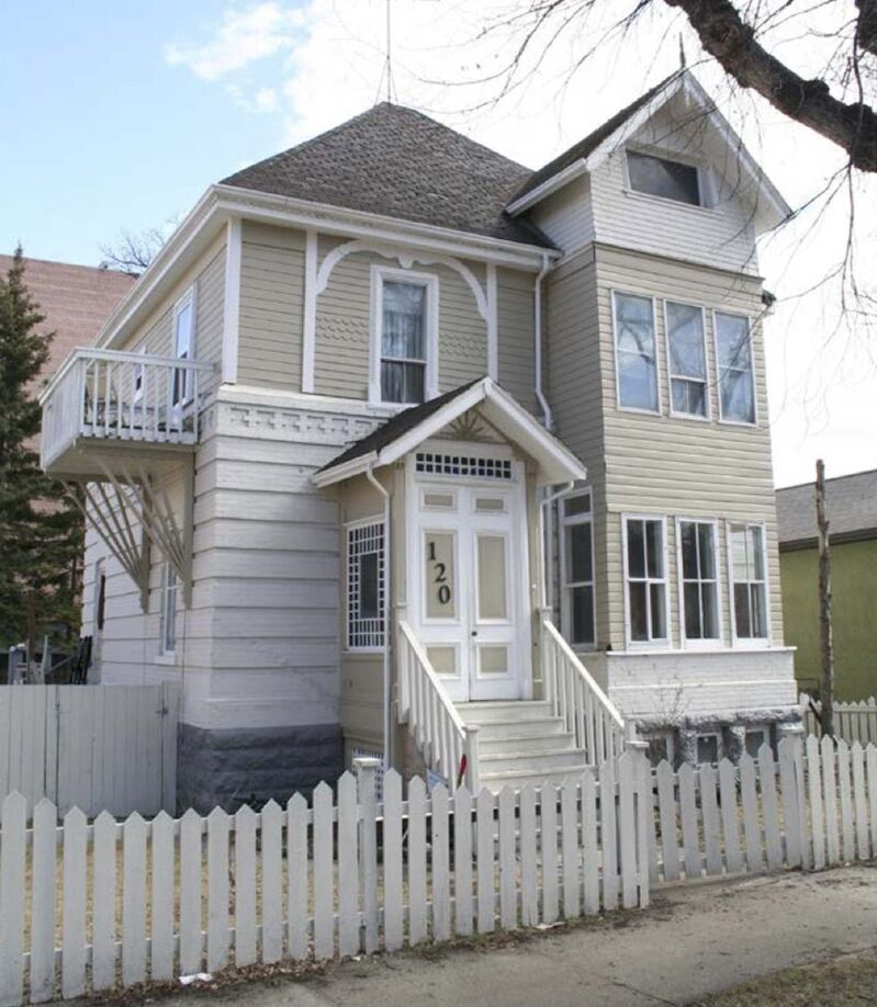 The now-demolished home at 120 Scott St. was built in the Queen Anne Revival style. (Supplied photo)