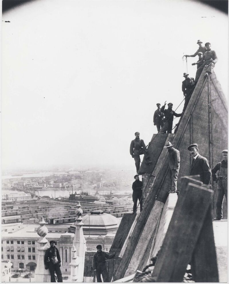 Copper sheathing the roof of the Fort Garry Hotel in Winnipeg, 1912-13. (Foote Collection / Manitoba Archives)