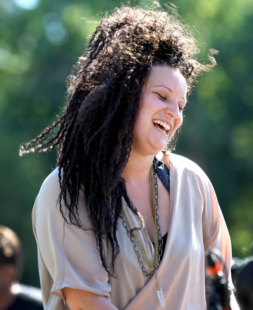 Mari Josee performs on the waterfront at The Forks Saturday. (Ruth Bonneville / Winnipeg Free Press )