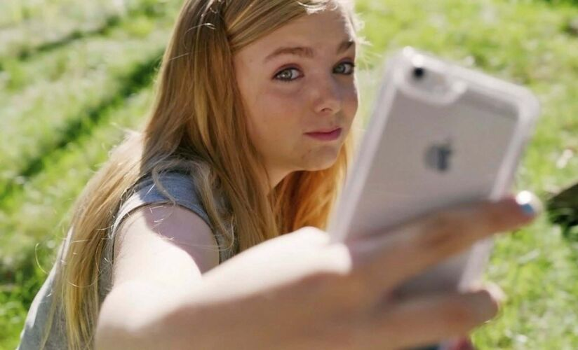 A24</p><p>The accurate use of technology in the film helps Eighth Grade feel realistic.</p>