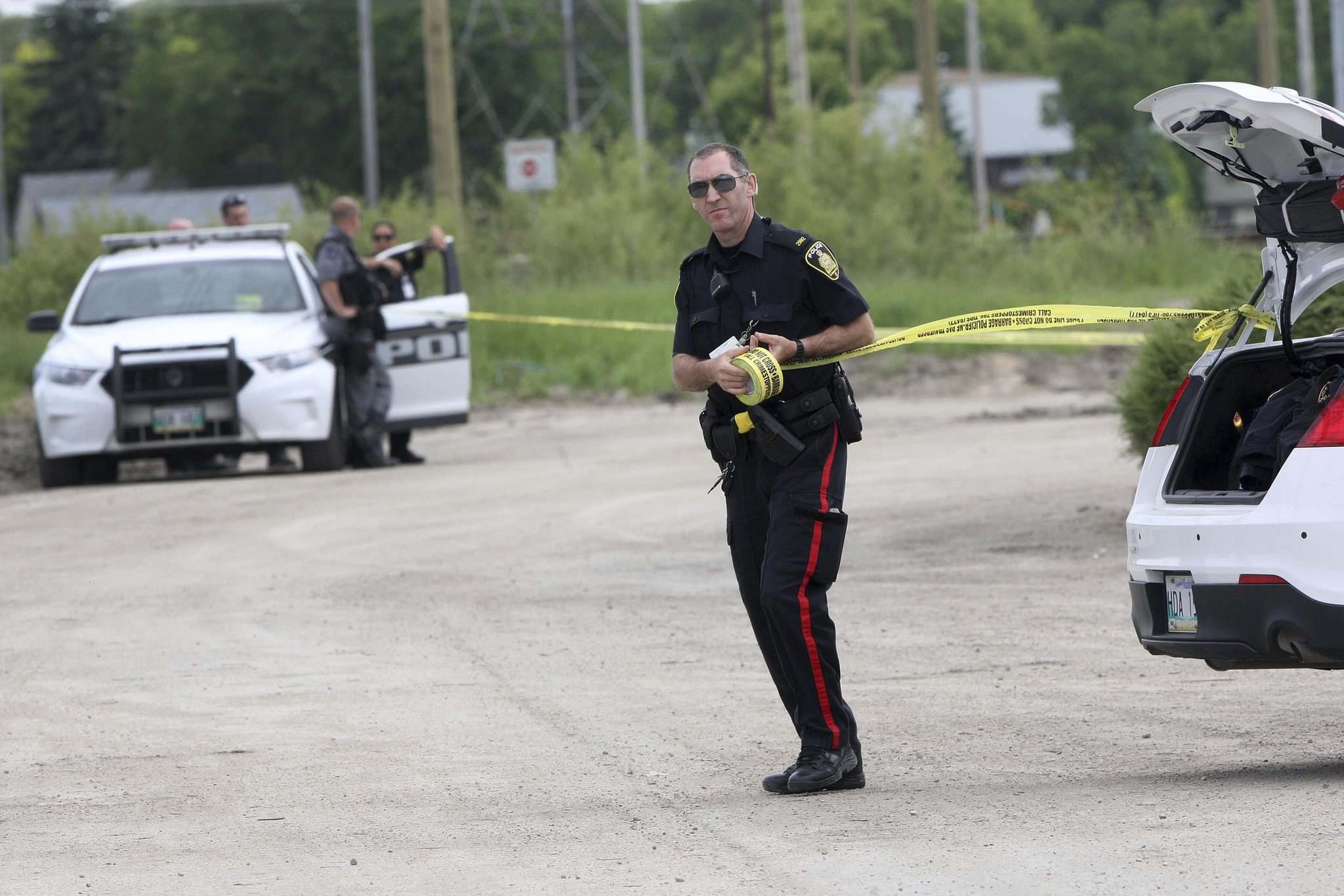 JOE BRYKSA / WINNIPEG FREE PRESS</p><p>Police secured an area Wednesday afternoon on Taylor Avenue near Sobeys.</p>