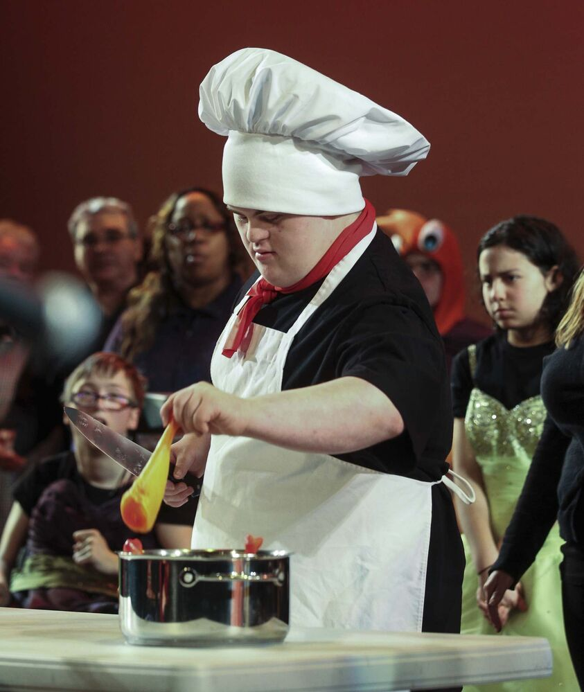 Willy as Chef Louis (Ruth Bonneville / Winnipeg Free Press)