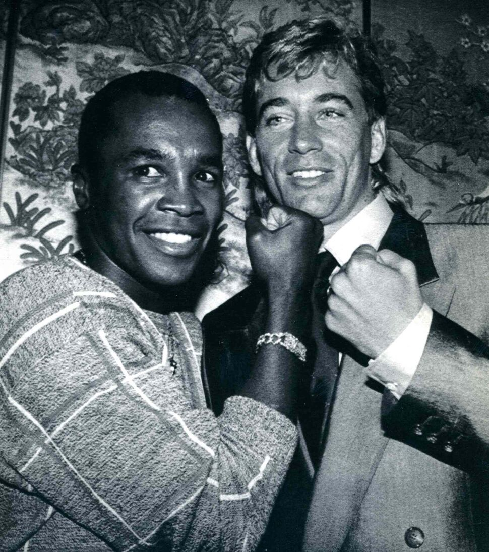 Sugar Ray Leonard and Donny Lalonde at Toronto news conference promoting match at Ceasar's Palace in Las Vegas in 1988. (THE CANADIAN PRESS FILES)