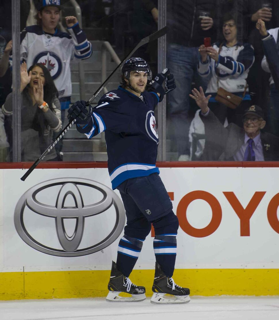 Winnipeg Jets Michael Frolik (#67) celebrates his second period goal. (DAVID LIPNOWSKI / WINNIPEG FREE PRESS )