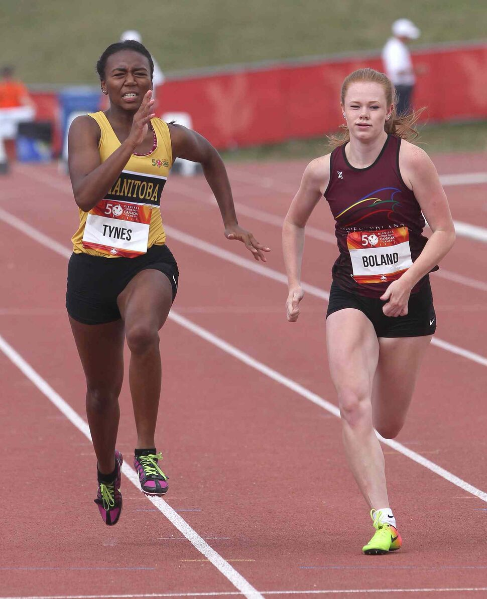 JOE BRYKSA / WINNIPEG FREE PRESS</p><p>Team Manitoba's Brianna Tynes, left, races against Jennifer Boland from Team Newfoundland in the third heat of the 100m event at the University of Manitoba Monday, July 31, 2017.</p>
