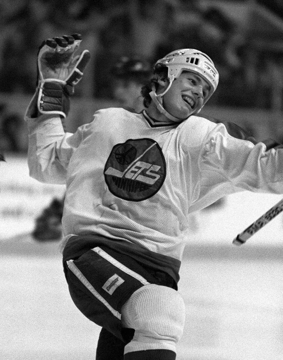 An undated photo of Hawerchuk in a game at Winnipeg Arena. (Ken Giglioitti / Winnipeg Free Press files)