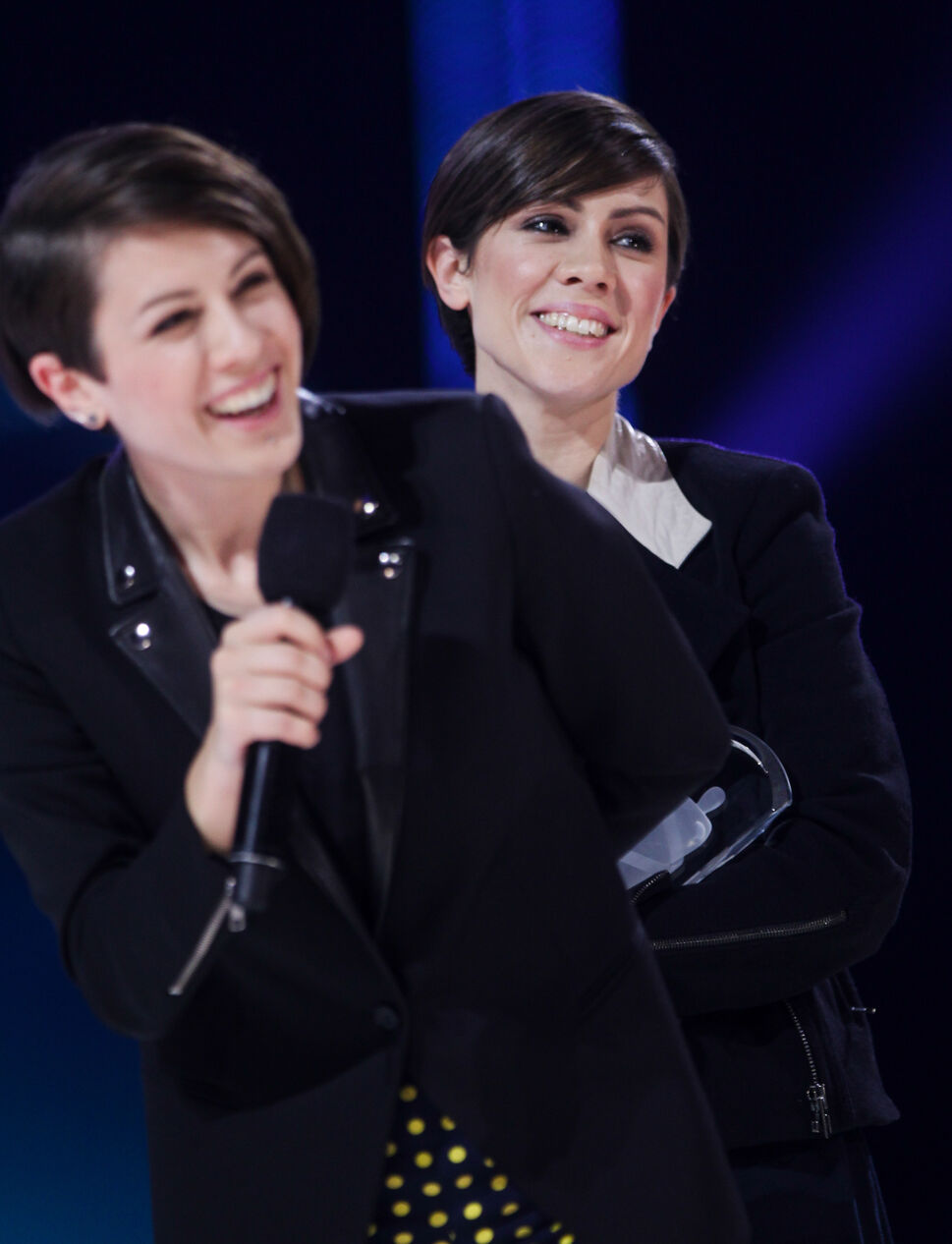 Tegan and Sara win group of the year at 2014 Juno Awards.