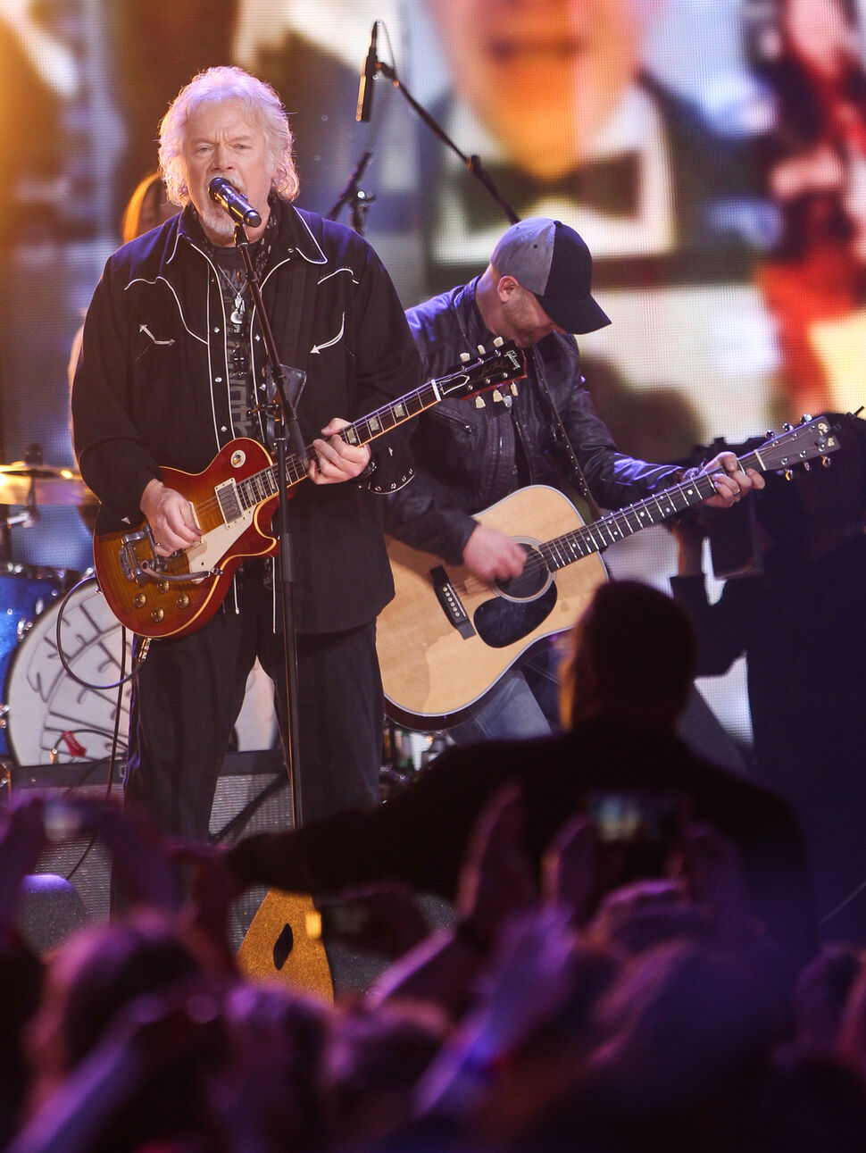 Randy Bachman of BTO closes out the 2014 Juno Awards at MTS Centre in Winnipeg. (Joe Bryksa / Winnipeg Free Press)