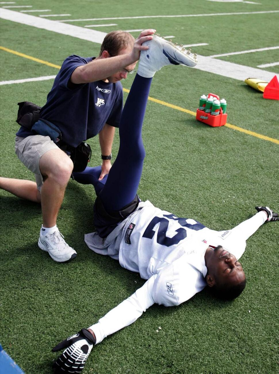 # 82 Terrence Edwards is stretched out during  camp. June 5 2007 (WAYNE GLOWACKI/WINNIPEG FREE PRESS)