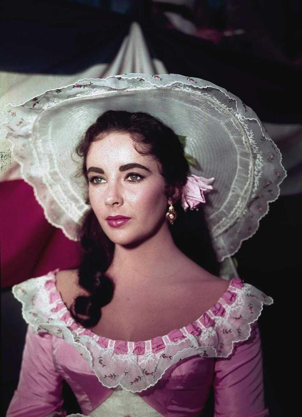 """In this 1957 file photo, actress Elizabeth Taylor is shown in costume for her character in the film """"Raintree County.""""  (AP Photo/File)"""