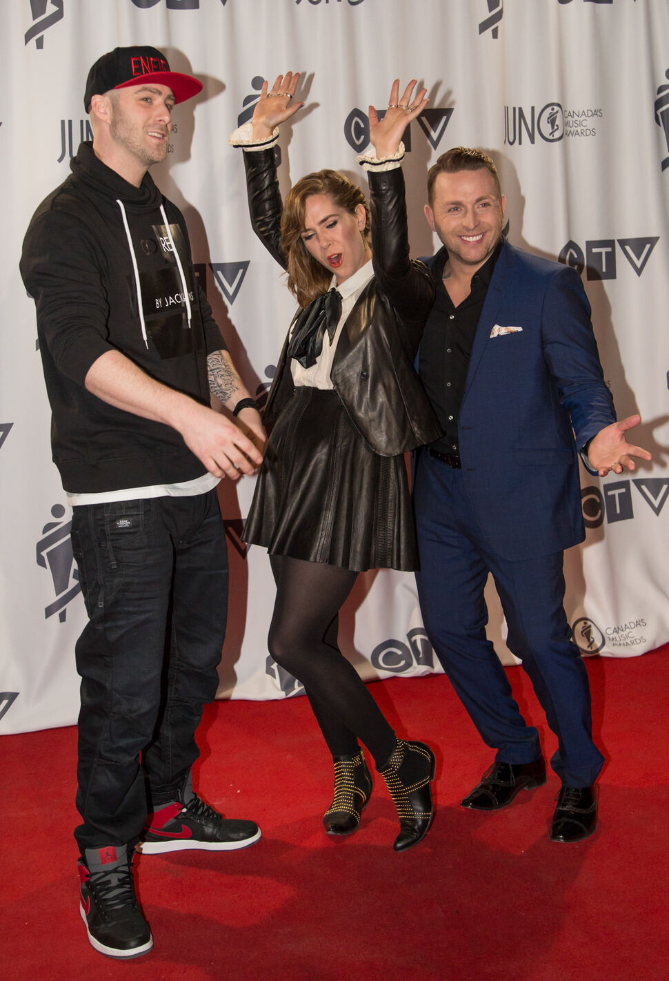 Co-hosts Classified, Serena Ryder, Johnny Reid at the 2014 JUNO awards at the MTS Centre in Winnipeg on Sunday, March 30, 2014. PUTMOREINFOHERE. (Photo by Crystal Schick/Winnipeg Free Press) (Crystal Schick / Winnipeg Free Press)