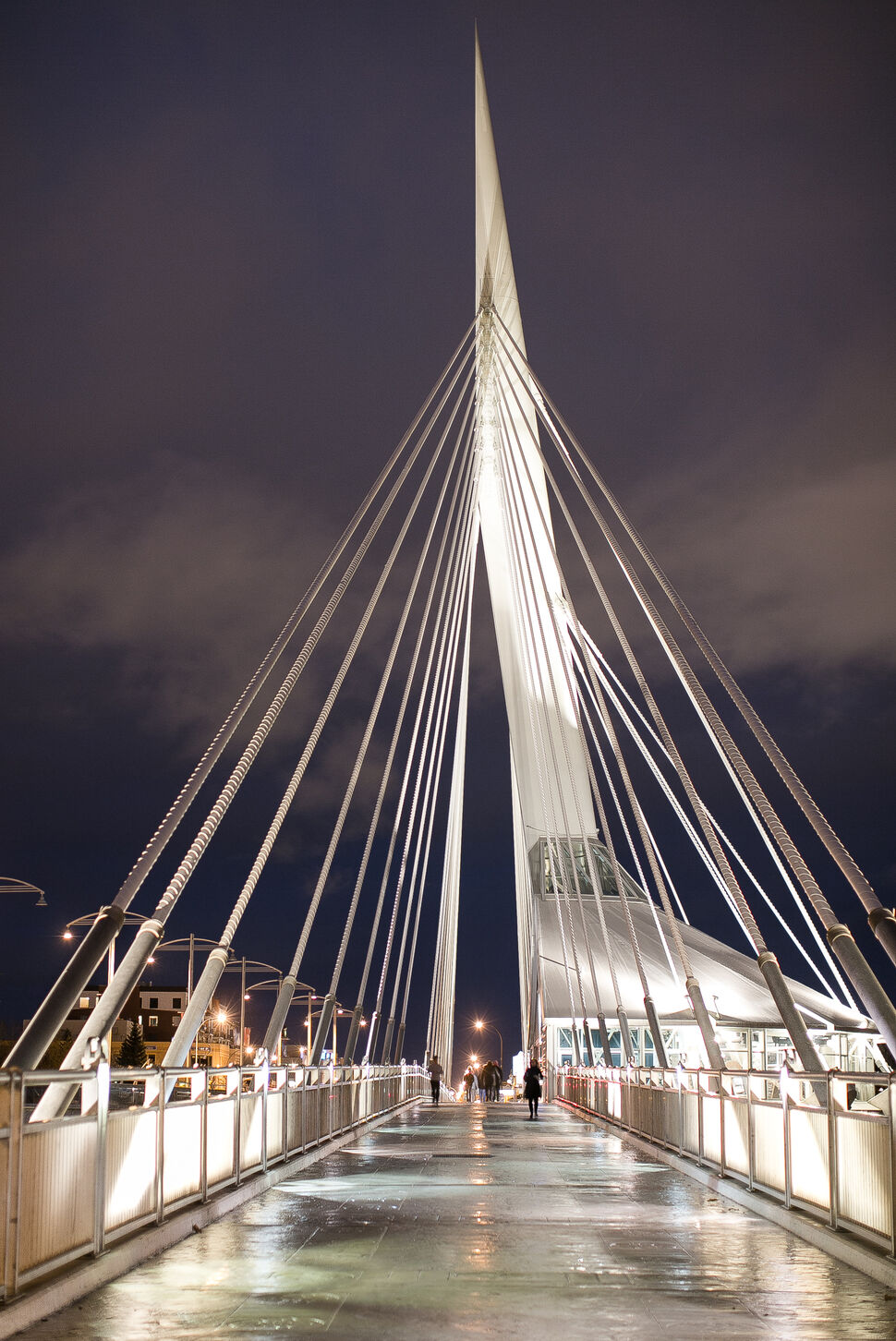 The Esplanade Riel at twilight in October. Day 5. (MELISSA TAIT / WINNIPEG FREE PRESS)